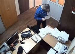 為幫客戶脫罪 俄律師吞證據