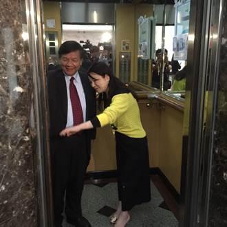 笑瞇瞇部長李世光 不怕「大政委」