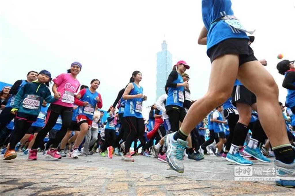 跑步等有氧運動可促進掌管大腦學習與記憶的海馬體產生新神經細胞,進而提高思維清晰度和記憶力,還能協助平復失控情緒。 (資料照片,鄧博仁攝)