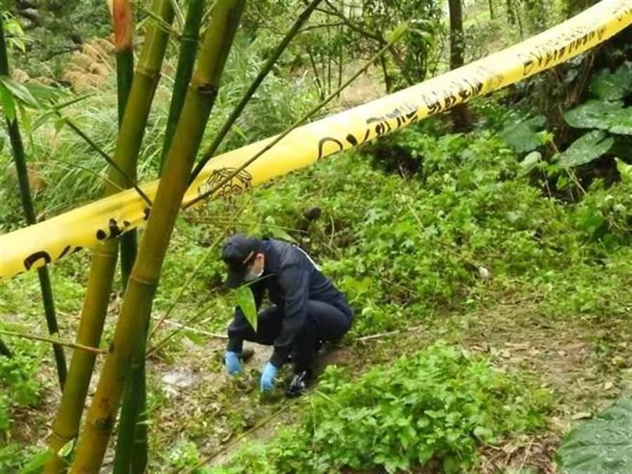 五股殺人棄屍案,警方搜索證物。(資料照片)