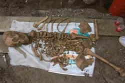 花蓮下水道人骨 測定來自靜浦文化千年墓葬