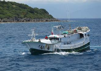 越南漁船入侵我東沙島海域