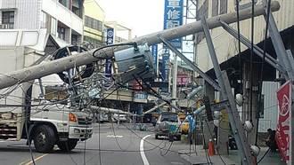 貨車勾斷電線桿 神岡逾2000戶停電