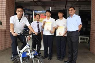 致用高中汽車科3生 發明雙前輪自行車