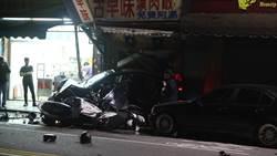 尋仇? 兩派人馬暗夜飛車追逐  撞店家連毀10車