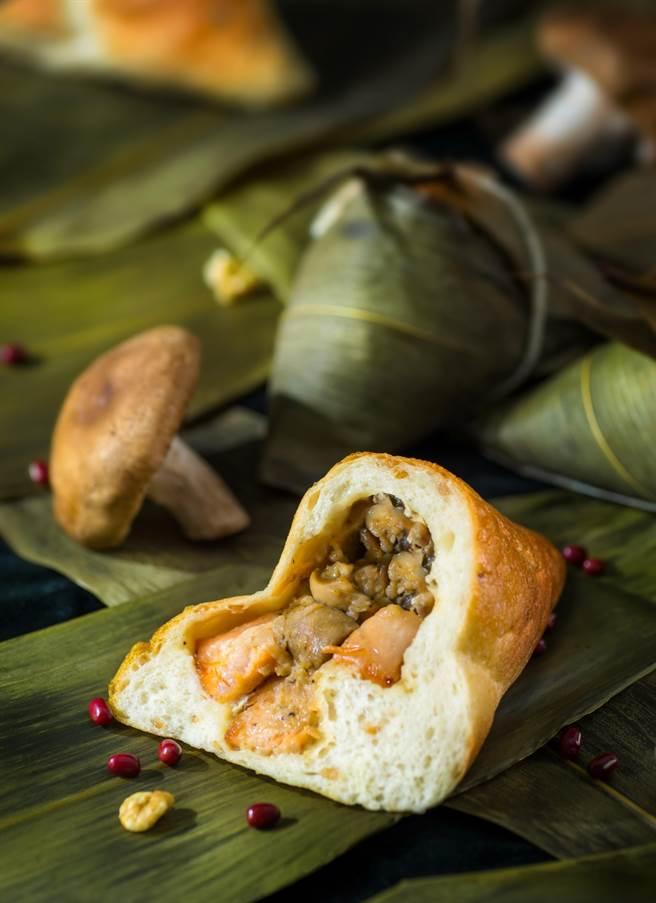 帕莎蒂娜烘焙坊的「法式煙燻鮭魚起司麵包粽」,是用冷燻的諾曼第煙燻鮭魚入餡。(圖/帕莎蒂娜烘焙坊)