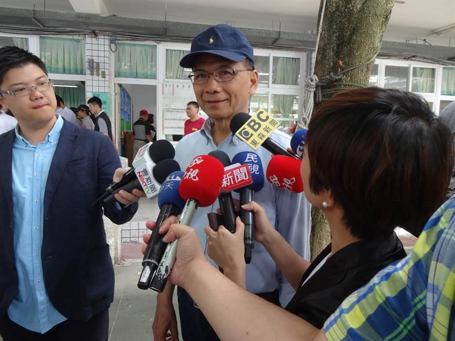 前行政院長游錫堃受訪。(葉書宏攝)