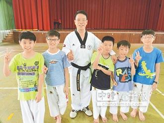 免費教跆拳 陳文雄32年指導9000人