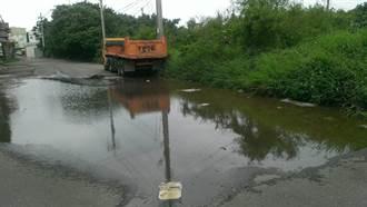 沒公車且逢雨必淹 舊港里整治差惹民怨