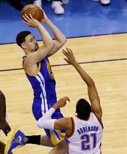 NBA》湯普生破紀錄11顆三分球 勇士客場扳平