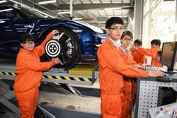 光啟重金打造  千萬汽車實習工廠