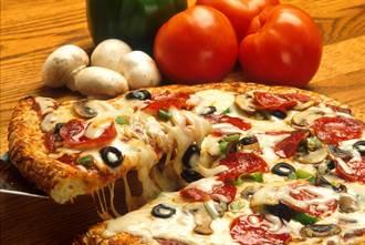 他用「披薩」支付贍養費 法官竟同意了!