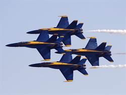 美海空軍特技飛行隊2機墜毀