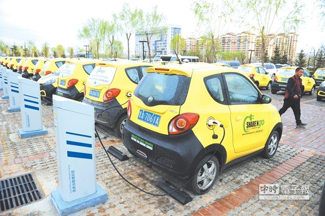 過熱的新能源汽車潮。圖╱中新社