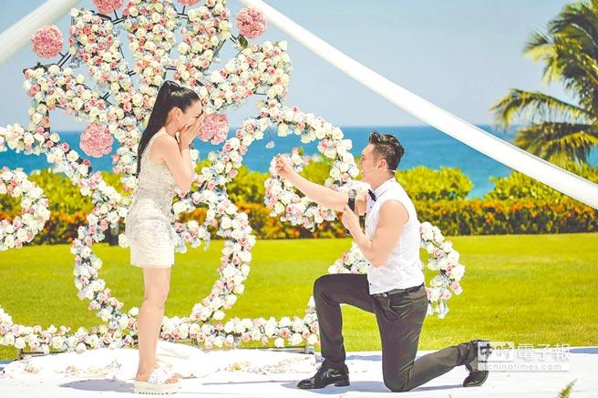 張倫碩5日在節目中單膝下跪向鍾麗緹求婚。