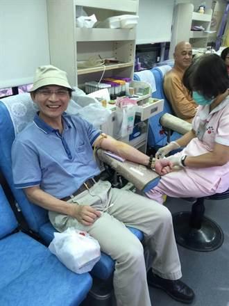 玄空法寺辦捐血 到訪遊客齊挽袖