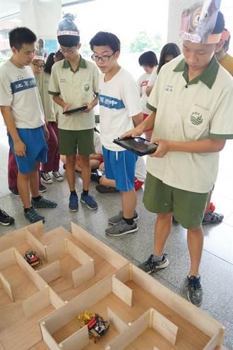 會考完空窗怎麼過? 江翠國中師生玩動物方城市