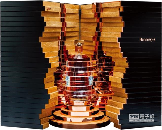 百萬價值的珍稀干邑 軒尼詩Hennessy‧8,全球限量250組,首發100組,每組售價:1,380,000元。圖/業者提供