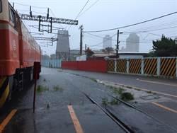 豪雨成災 台鐵新竹至香山恢復雙線通車