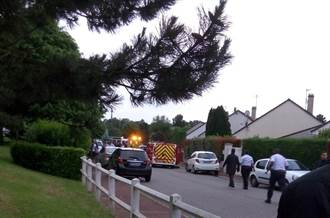 法國男子刺死員警 潛入其家中挾持妻兒