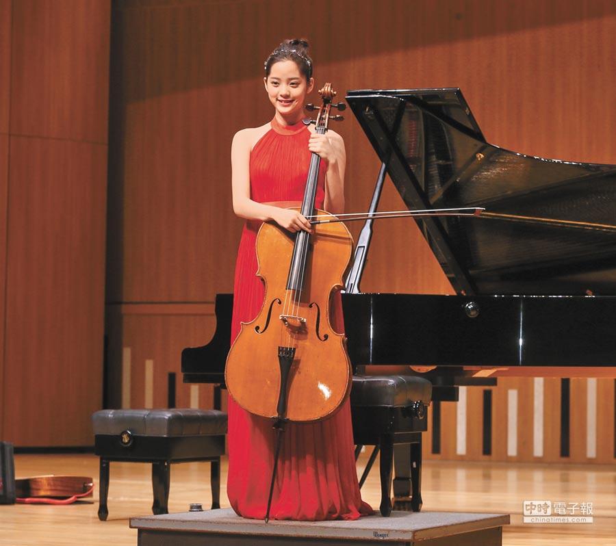 6月15日,歐陽娜娜「在地球旅行生日音樂會亞洲巡演」台北記者會彩排。(本報系記者盧禕祺攝)