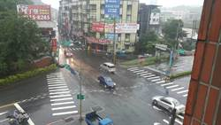 新店區淹水漸退 安康路恢復通行
