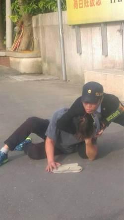 台灣民政府橡膠子彈射擊民眾 民眾:簡直是私刑
