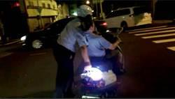 警推老翁返家 獲讚最暖心「輪椅」