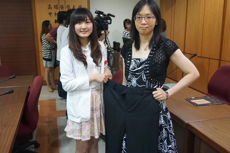 32歲鍾小姐(右)成功甩油,體重從74kg瘦到53kg,向過去大尺碼衣褲說掰掰。(柯宗緯攝)