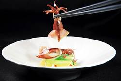 既有料又有理 政商超愛「子元」日本料理