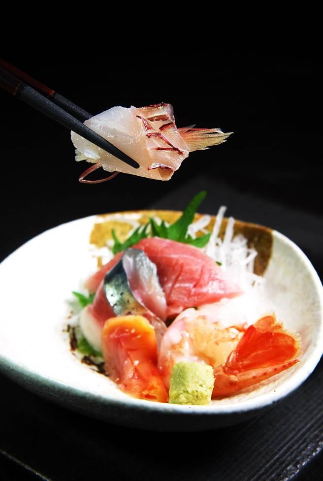 藝人邵昕投資經營飲業不玩票,在〈山丰〉可以嘗到日本進口與在地魚的生魚片。(圖/姚舜攝)