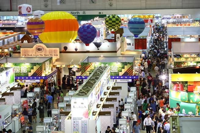 2016台北國際食品五展四天展期參觀者再創新高、人潮滿滿。圖:貿協提供