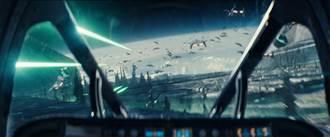 《ID4星際重生》全台票房冠軍 5天狂吸1.2億