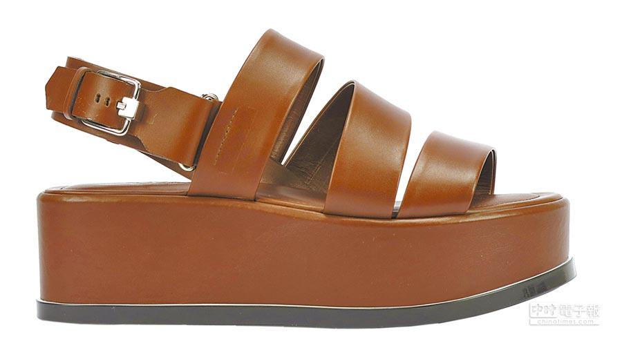 TOD'S咖啡色皮革繞帶厚底涼鞋,2萬6200元。