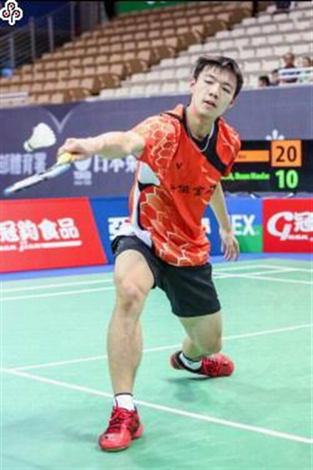 台灣羽球好手王子維,在印尼超級賽男單次輪再爆冷門,直落二扳倒世界排名第六的香港選手伍家朗。(本報資料照)