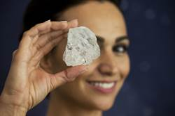 百年來最大鑽石賣不掉 怪到英國脫歐上