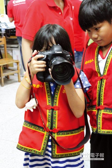 數位相機廠佳能經營權由能率集團所屬的應華接手。圖/本報資料照片