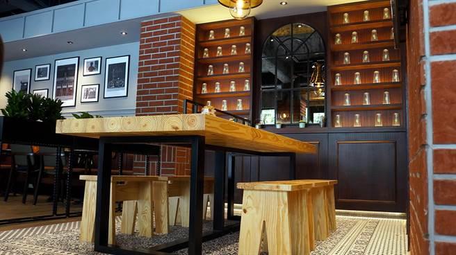 連家具用品都自韓國進口的〈Street Churros〉,以歐式工業風為裝潢設計主軸。(圖/姚舜攝)