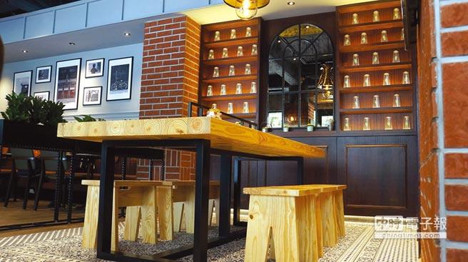 距捷運板南線台北國父紀念館站2號出口步行只要1分鐘的〈Street Churros〉在台首家旗艦店,以歐式工業風為裝潢設計主軸。圖/姚舜