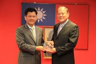 林佳龍感謝榮退警察局長「義高品重、猛志常在」