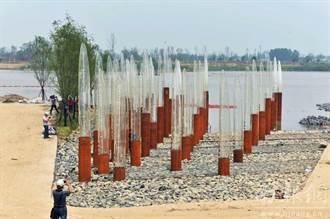 長江新洪峰抵達 南京百年水位柱淹剩5根