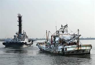 颱風來襲 翔利昇號拖回左營海軍軍港