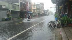 漲潮期又斷電 東港兩個里水淹路面