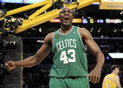 NBA》勇士急了 想簽前冠軍中鋒