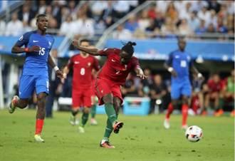 醜小鴨變天鵝 他在歐國盃遠射絕殺