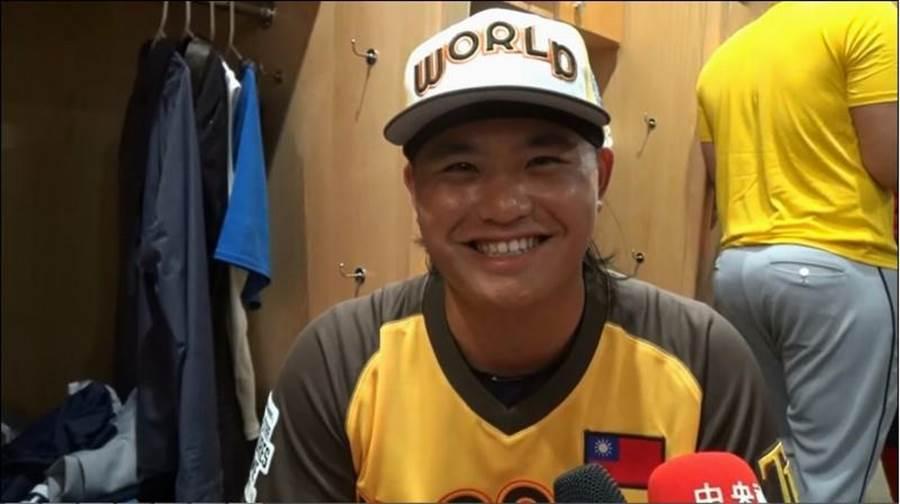 台小將胡智為入選今年大聯盟未來之星賽世界聯隊,登板秀97英里火球。(中央社資料照)