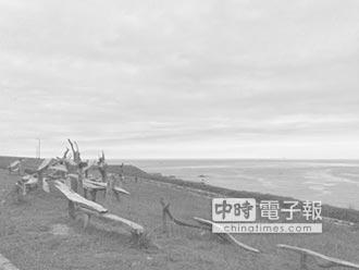 自由行看台灣微網誌-在海邊創作