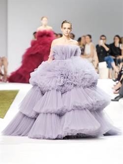 盤點2016秋冬高訂時裝周,12件美到讓人屏息的裙子!