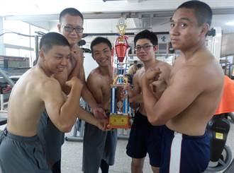 胖哥瘦弟練成肌肉男 一舉獲菁英盃健力賽總冠軍
