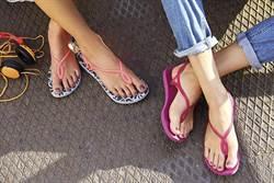 熱銷萬雙havaianas 涼鞋款式正夯 午後雷陣雨有「她」就對了!